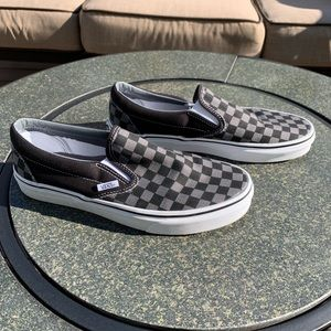 "Vans ""Off the Wall"" Checked Slip On Sneakers! 🏁"